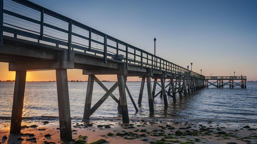 10 Best Little Beach Towns To Visit in Fall Beach town