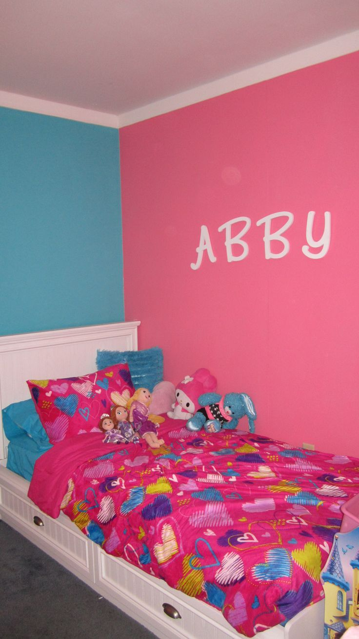 Pink And Turquoise Girls Bedroom Girls room ideas on