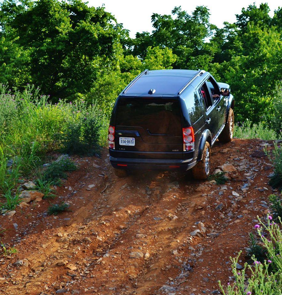 Lr4 Climbing Land Rover Land Rover Dealership New Land Rover