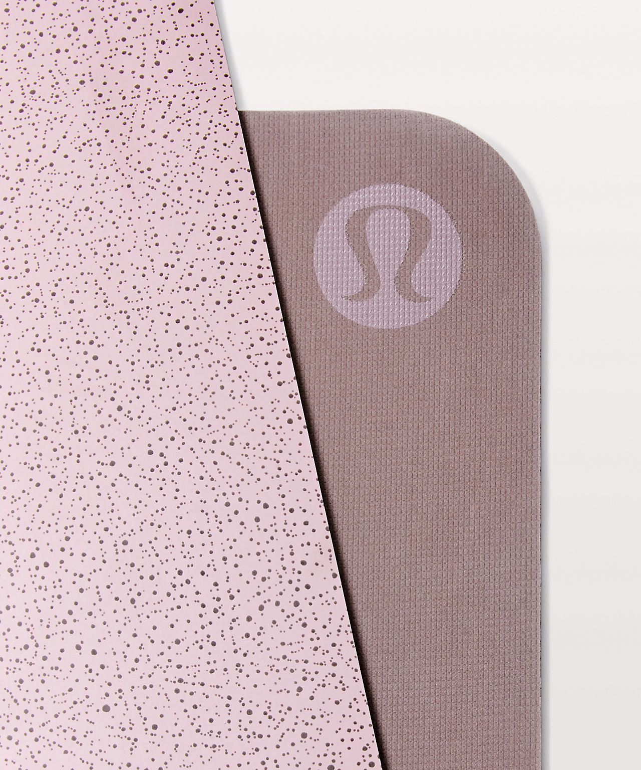 The Reversible Mat 5mm Women S Yoga Mats Lululemon Lululemon Yoga Mat Lululemon Mat Lululemon