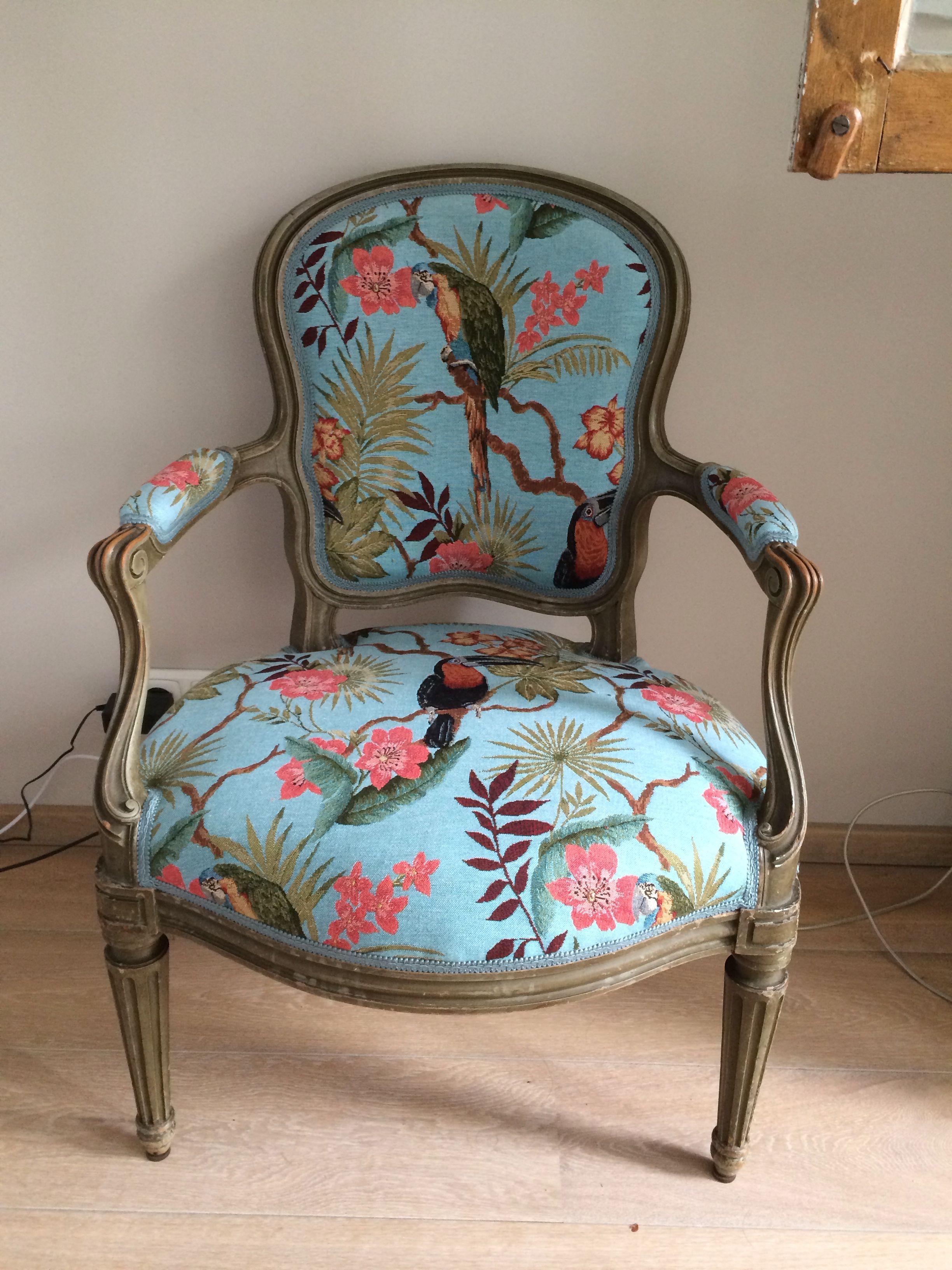 Wat heb ik nodig bij het stofferen van een oude stoel