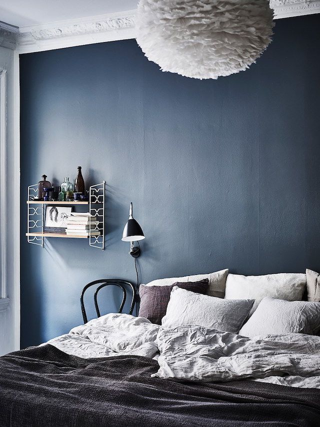 A Lovely Swedish Home With A Blue Accent Wall In The Bedroom Ahhh That Navy  😭