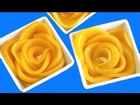 Rosas de melocotón en almíbar sobre crema de queso y yogur | Cocinar en casa es facilisimo.com
