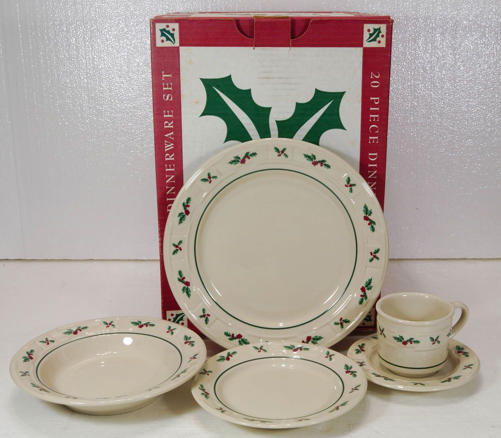 Longaberger TRADITIONAL HOLLY DINNERWARE SET 20 piece Set NEW in Box 34835 & Longaberger TRADITIONAL HOLLY DINNERWARE SET 20 piece Set NEW in Box ...