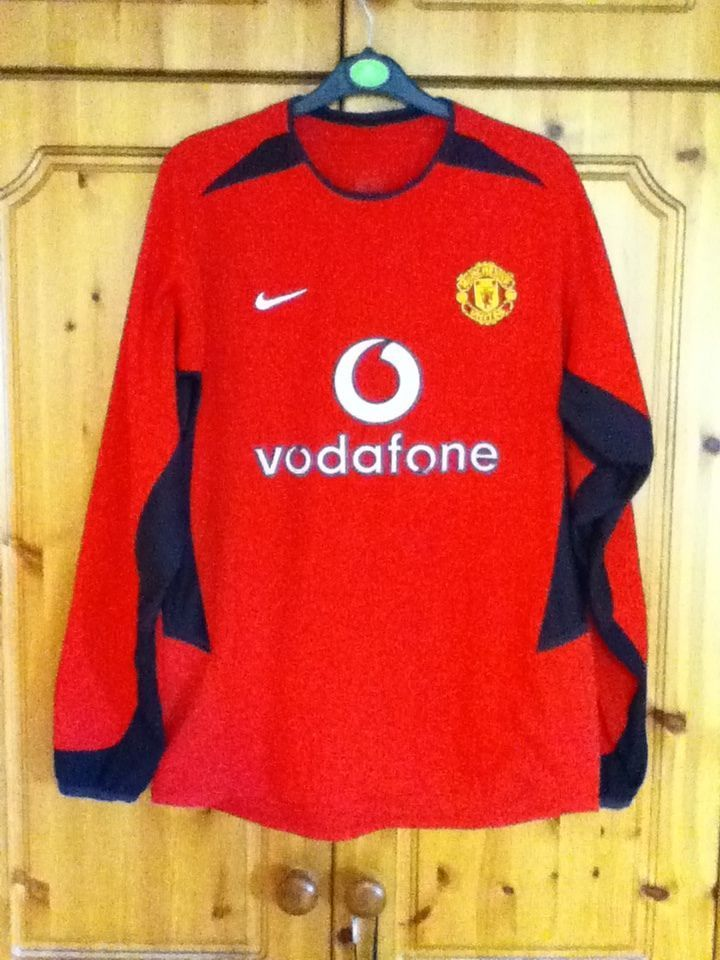 0e0cb86e188 Manchester United Football Club Long Sleeve Home Jersey 2002 - 2004 Small  Adult Nike