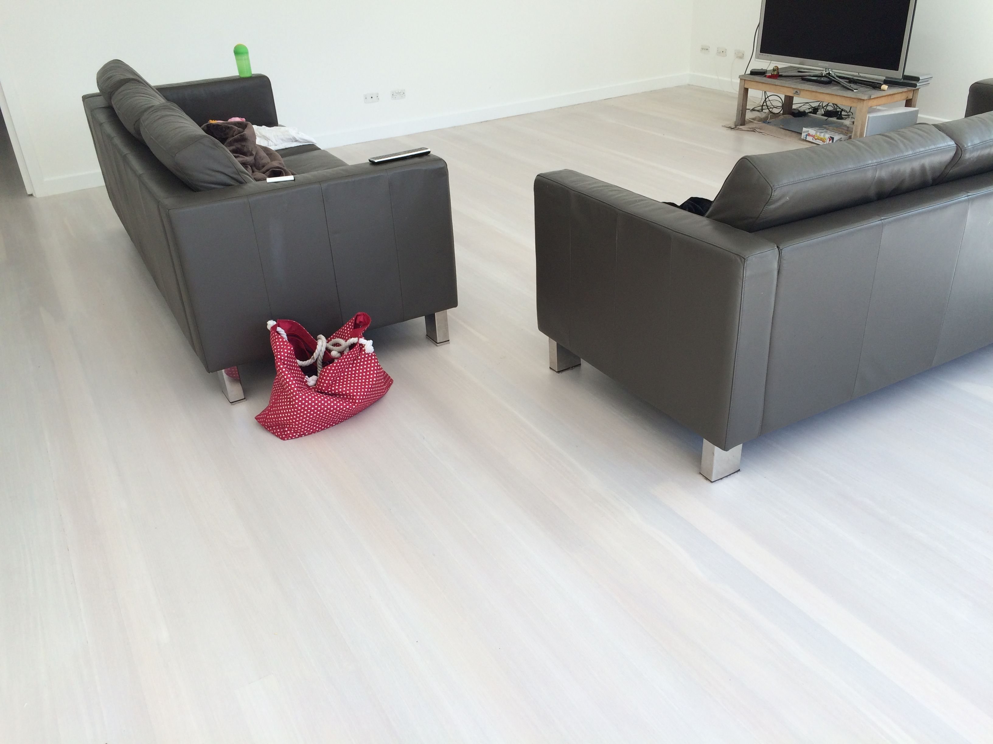 Double white lime wash on Black butt flooring