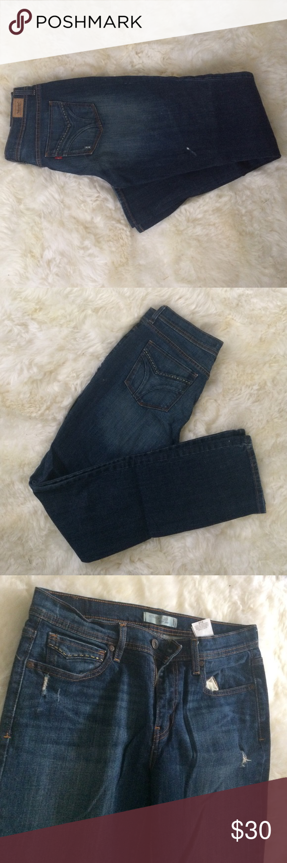 Beautiful 505 Straight Legs Beautiful 505 Levi Jeans. Fit Size 8 L. Great for a day at the rodeo. Levi's Jeans Straight Leg