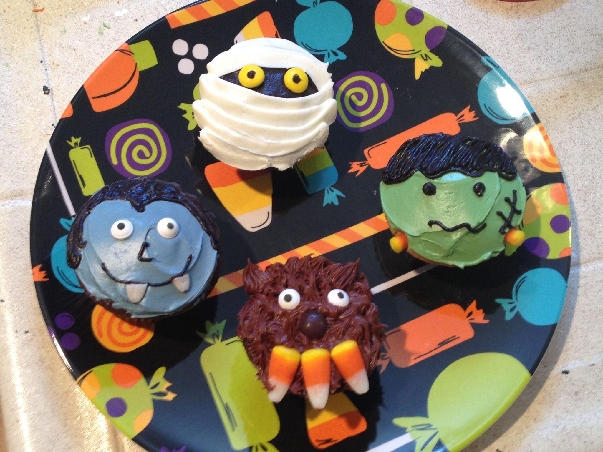 "Samuel' ""hotel Transylvania"" Cupcakes. Party Ideas"