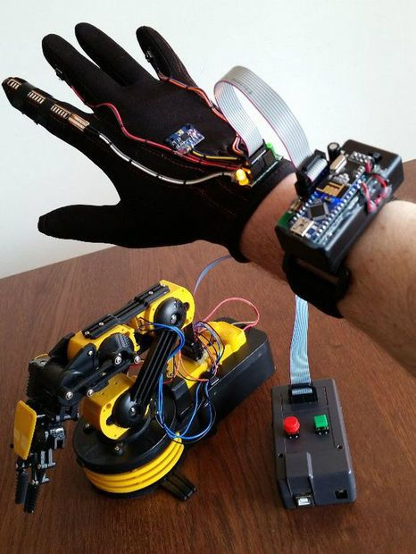 Wave your hand to control owi robotic arm no strings