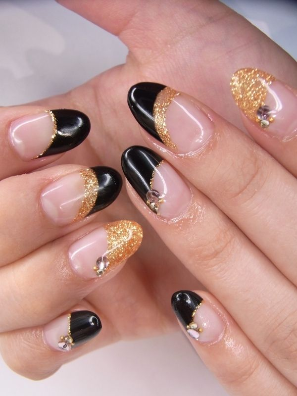 black is back punk is back and so are black nail polish designsblack nail polish designs with gold yellow always look stylish and chic - Nail Design Ideas 2012