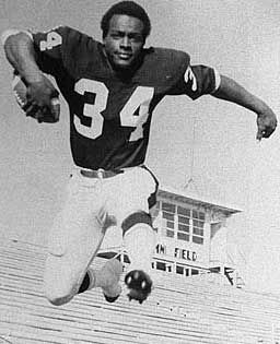 Pictures Of Walter Payton College Football Players Walter Payton Nfl Football Players
