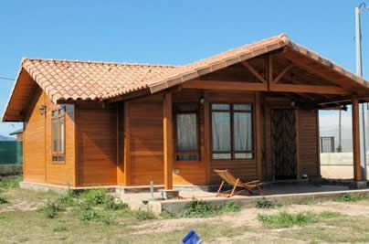 Casas de madera cali lindas casas prefabricadas en pino for Puertas de madera prefabricadas guatemala