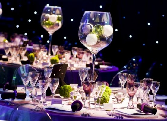 Giant Wine Glass Table Centres Wine Glass Centerpieces Giant Wine Glass Winter Wedding Decorations