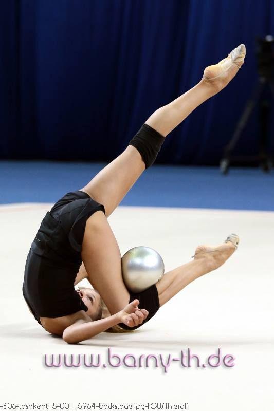 aleksandra soldatova russia backstage tashkent world cup 2015 rhythmic gymnastics ball. Black Bedroom Furniture Sets. Home Design Ideas