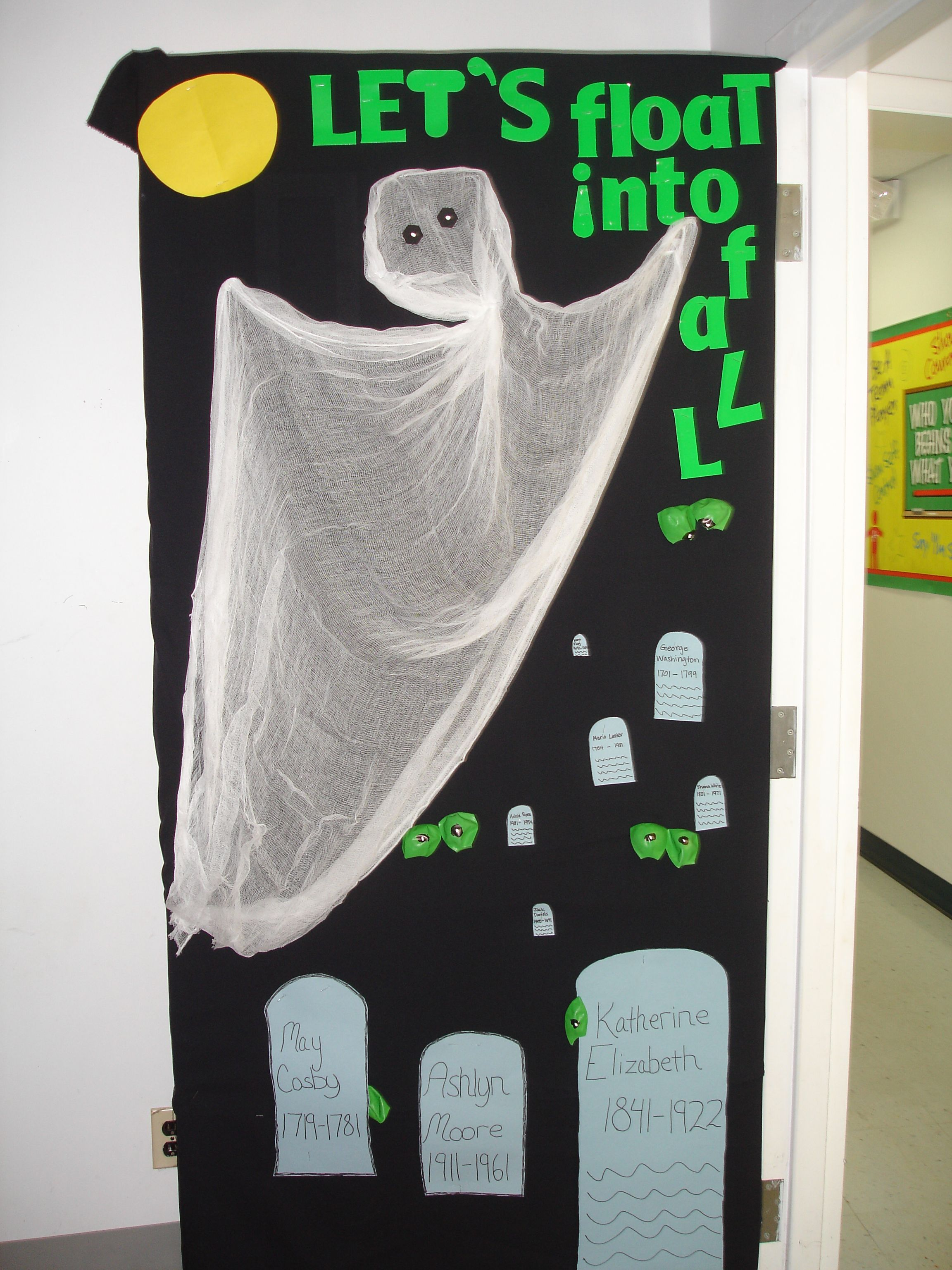 ghost Door School Pinterest Class door, Bulletin board and - Halloween Door Decorations Ideas