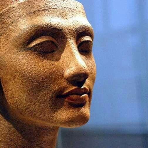 the head of a the statue of queen nefertiti of meritaten