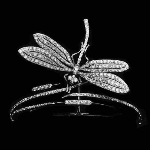 Diamond and platinum dragonfly tiara, the dragonfly can also be worn as a brooch, by Boucheron, circa 1906.