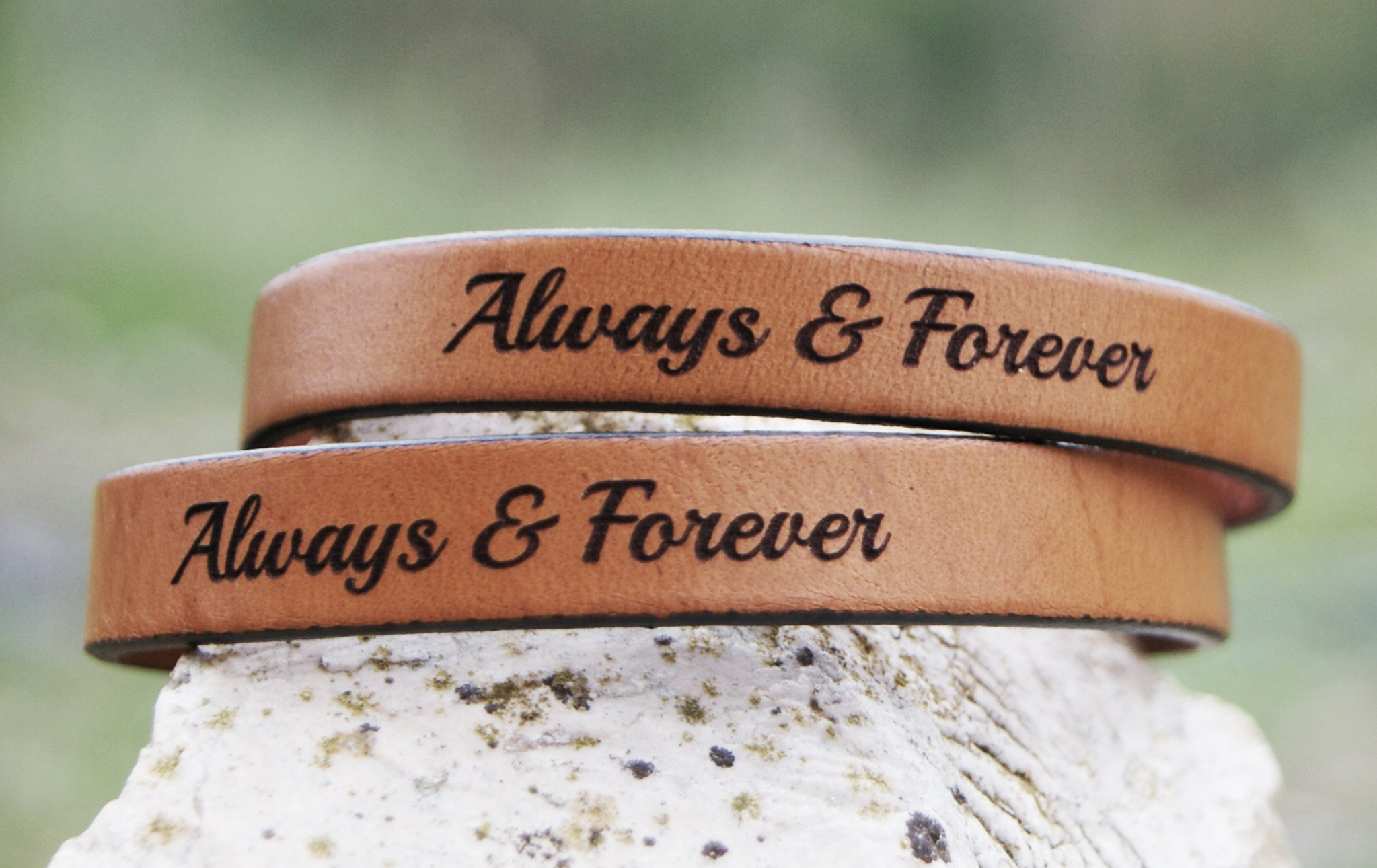 Adjustable leather bracelet set of 2