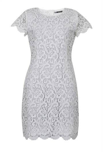e8d3ec87e Vestido de renda branca vazada com forro branco - Visite Riachuelo.com.br