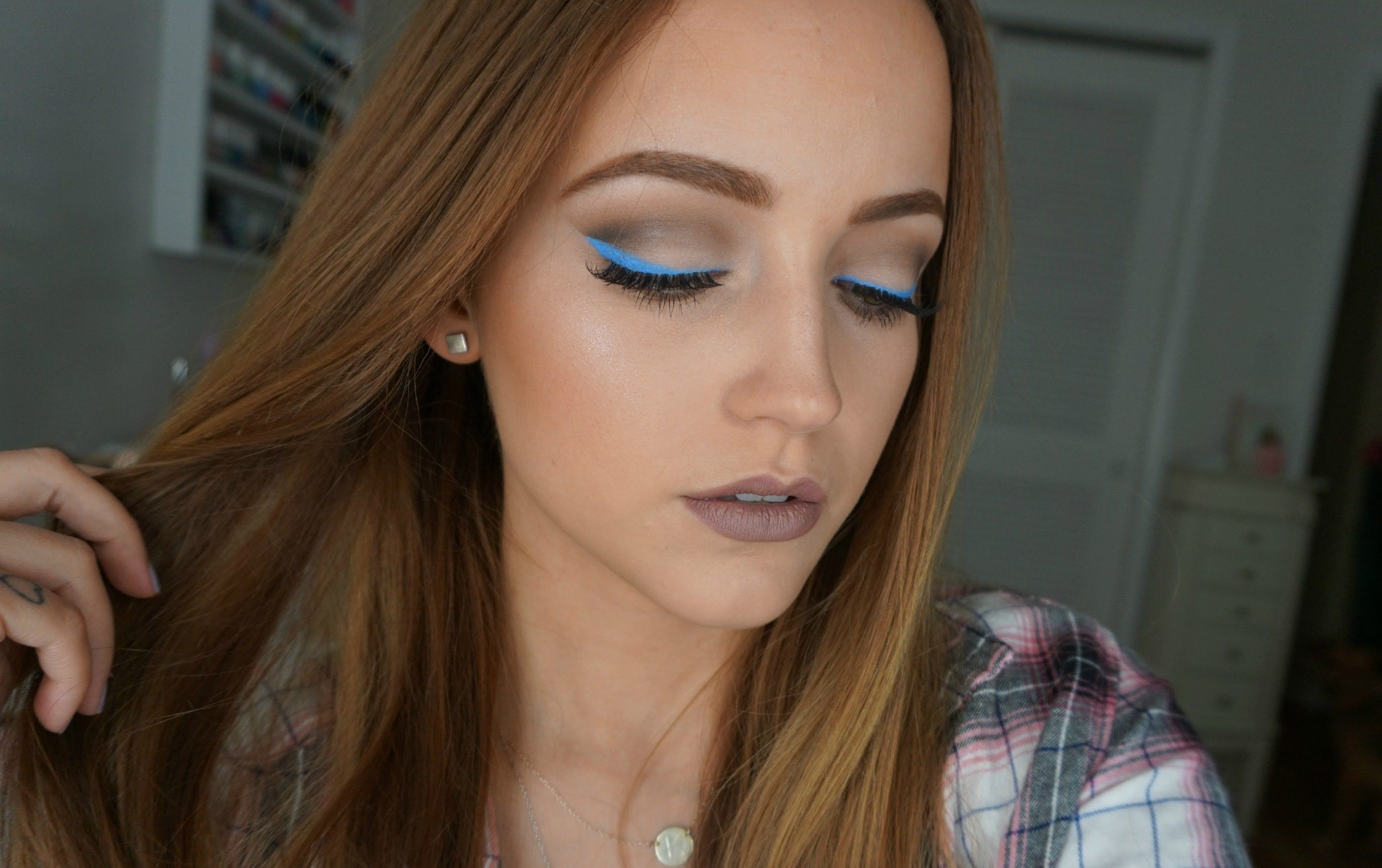 Blue u gray cool tones makeup look kat von d shade light