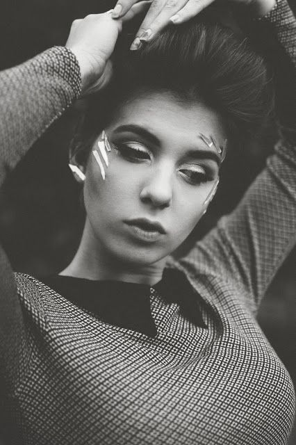 Retro self portrait black and white bold makeup janelle putrich photography