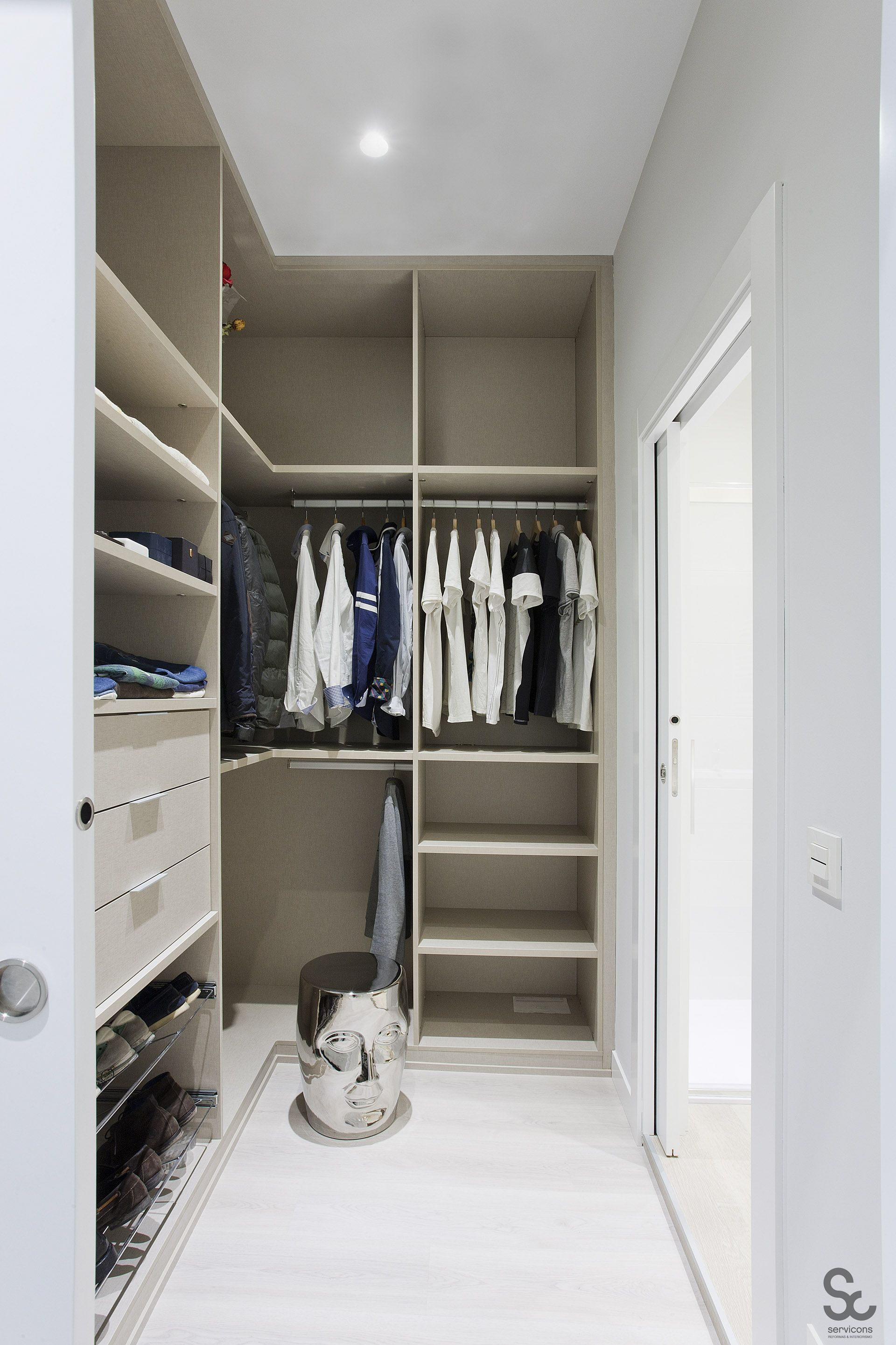Pin de Ritvars Traidas en Closet designs Sala de