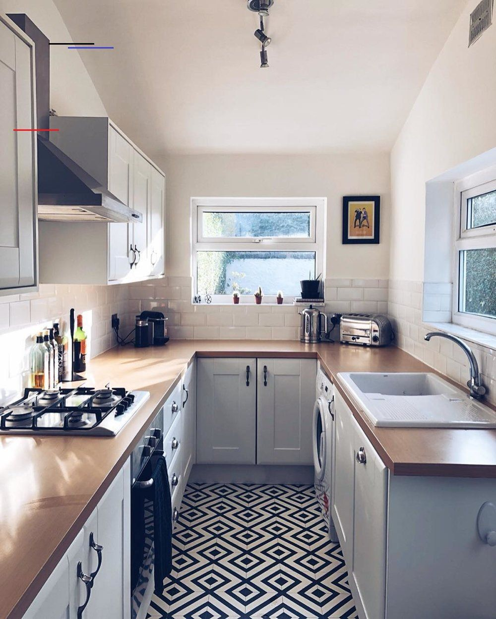 11 Beautiful Galley Kitchen Design Ideas Fifi Mcgee Interior Blogger Uk Galleykitchenlayouts Galley Kitchens Sometimes Get A Bad Rap In The Shadow I 2020 Kok