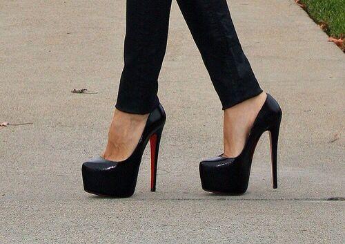 louboutin heels Black