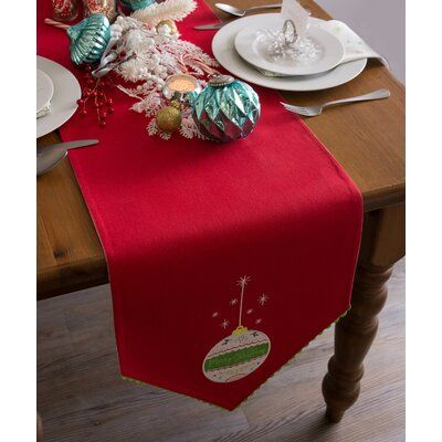 The Holiday Aisle Scarlett 100 Cotton Christmas Table Runner Design Imports Christmas Table Runner Table Runner Size