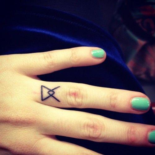 le nouveau tatouage de coeur de pirate | tatoo ideas | tattoos