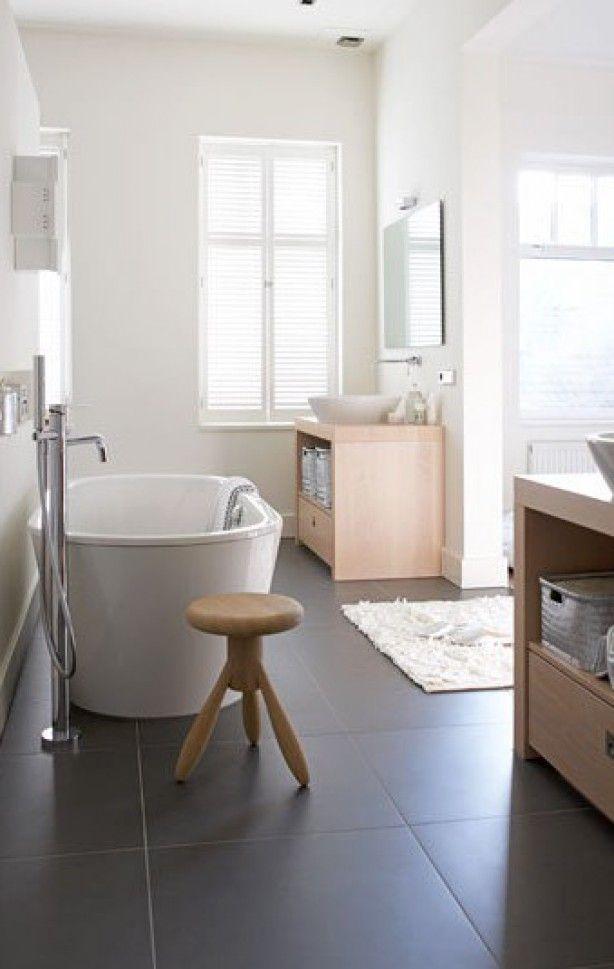 mooi vrijstaand bad | Badkamer | Pinterest | Bath, Attic bathroom ...