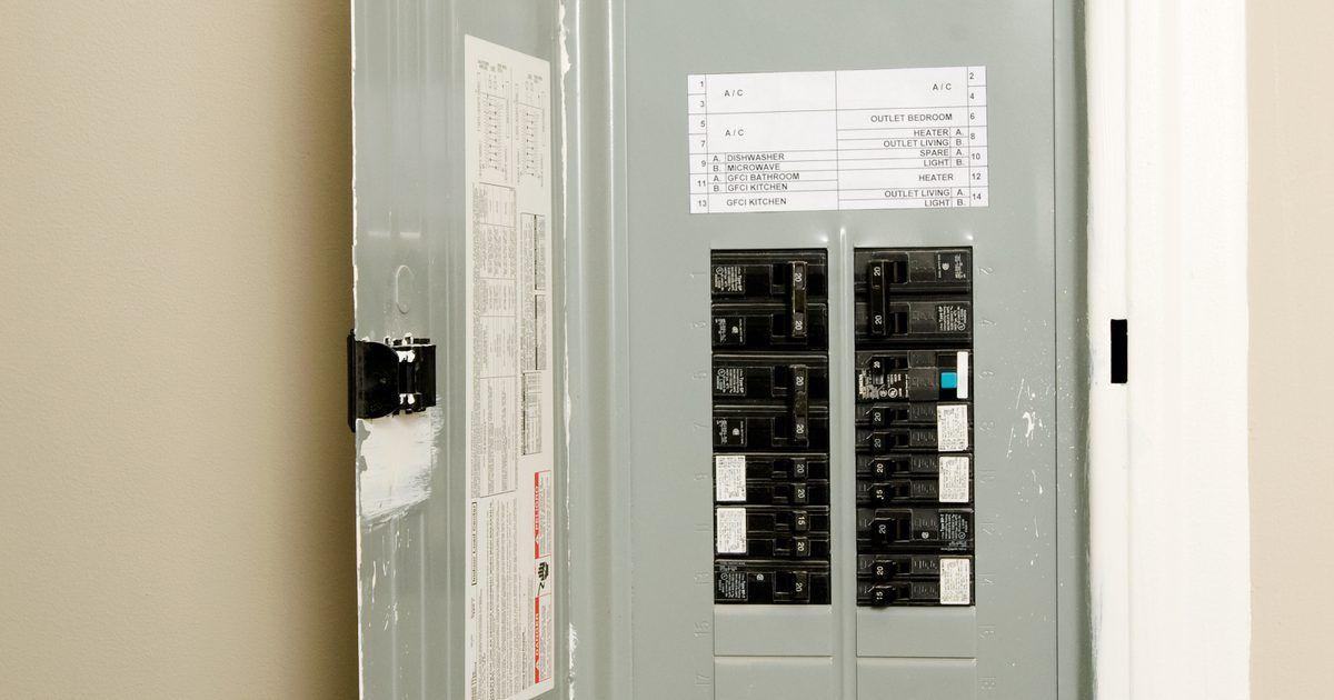 S ntomas de un interruptor autom tico roto televisor for Subida de tension electrica
