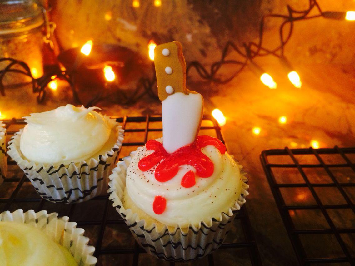 Halloween cupcake / food by dana rodriguez