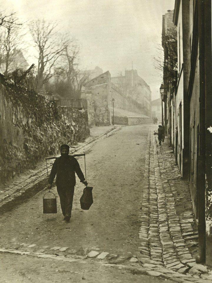 porteur deau rue des saules 1900