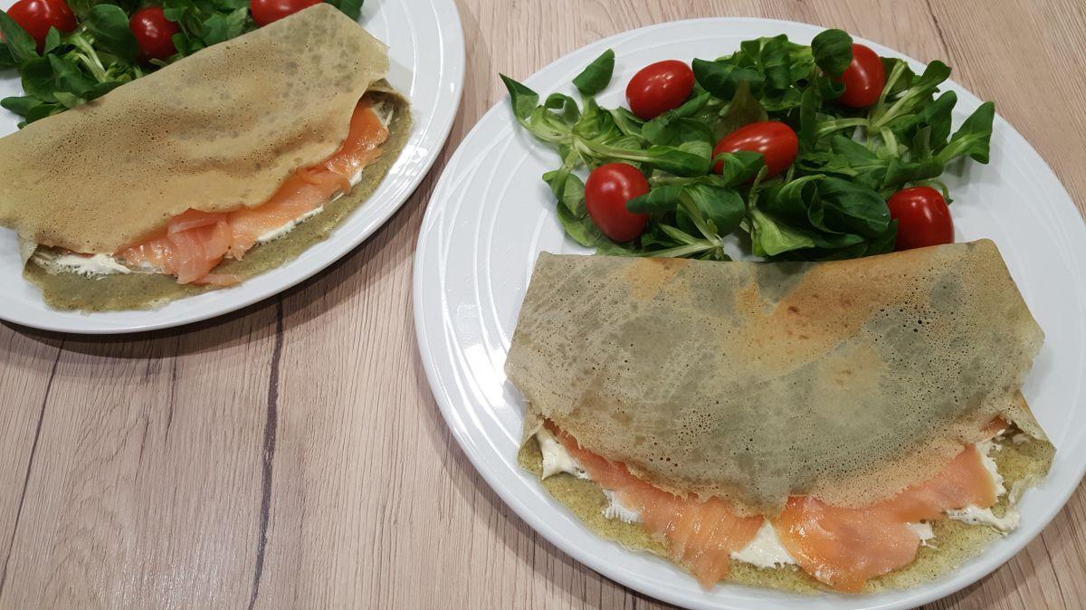 Crêpes à la farine de lentilles, saumon fumé et fromage frais - Foodista challenge #61