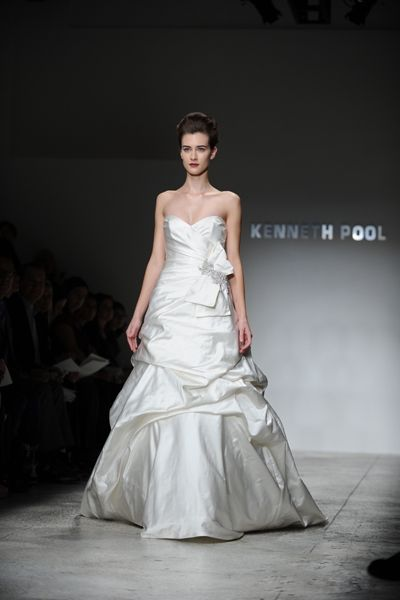 Kenneth Pool Miranda K377 Discount Designer Wedding Dress ...