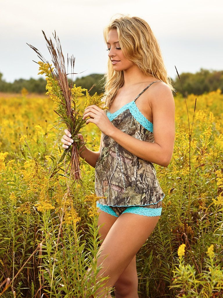 ea28333e8c474 Mossy Oak Break-Up Country Camo Camisole/Aqua Lace from American Outdoor  Woman