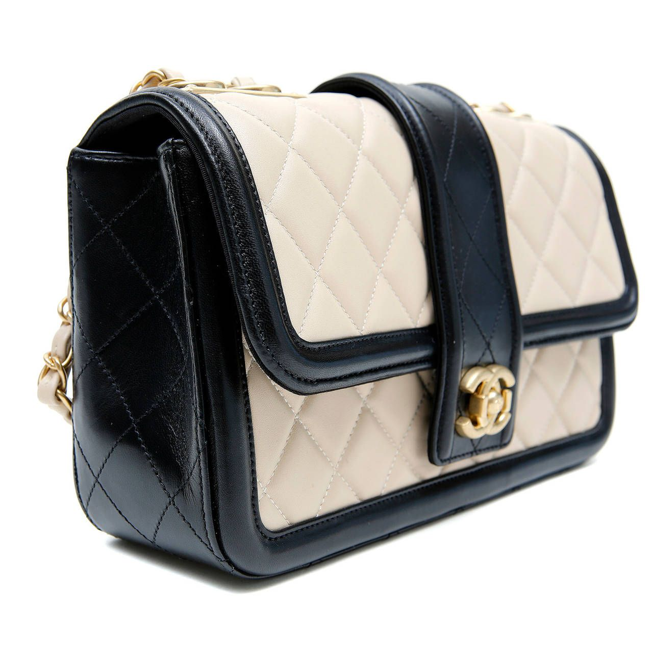 Chanel Beige Leather Black Trim Flap Bag | Black trim, Shoulder ...
