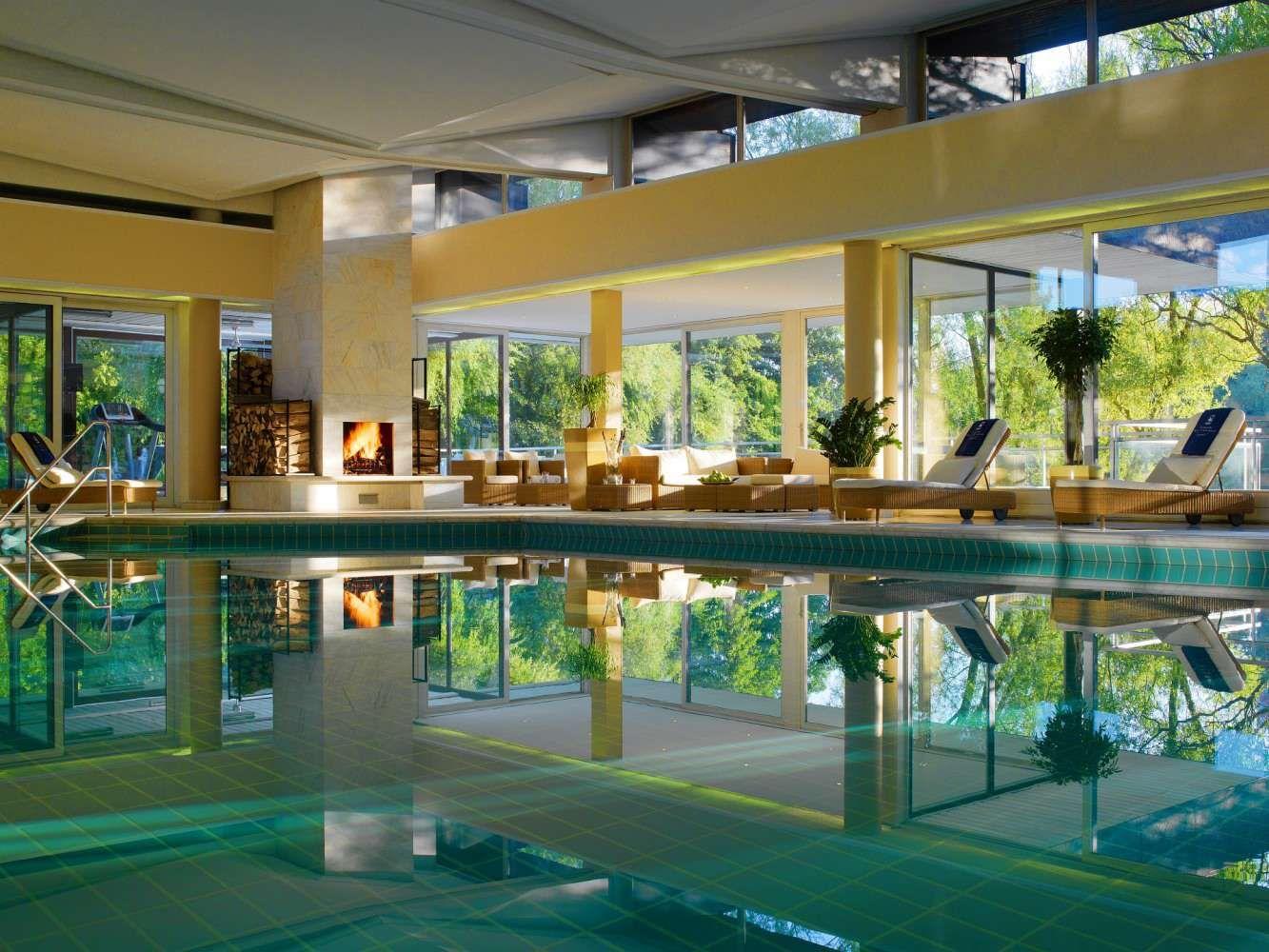 Kempinski Gravenbruch Spa Mit Eigenem See Pool Haus Hotels Hotel