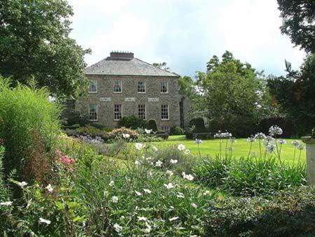 Georgian Country Cottage In Ireland Manor Garden Ireland Cottage Country Estate