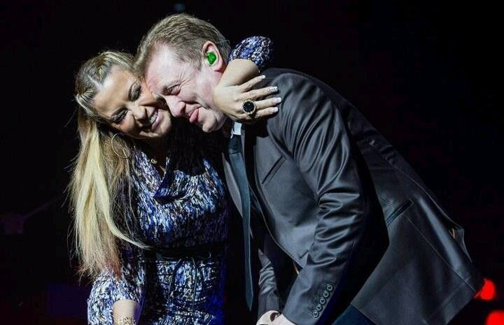 NEWS: Several unseen and new photos of Anastacia performing in different cities in Germany for «Night Of The Proms», now online on our website: www.anastaciafa nclub.com.pt