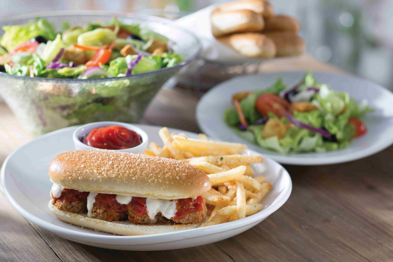 Olive Garden Debuts Breadstick Bun Sandwiches KWWL Eastern