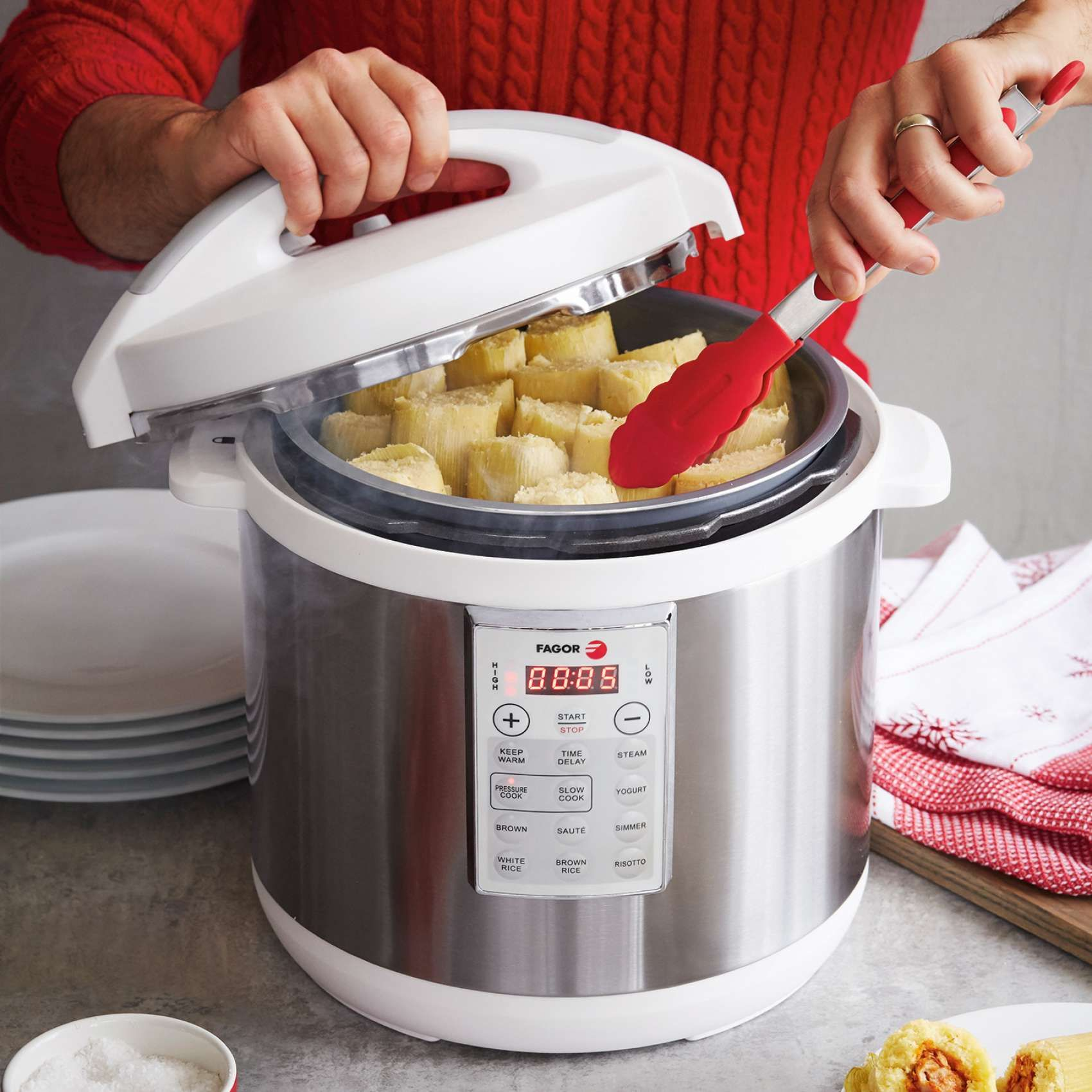 Fagor lux multicooker white sur la table yumm tools of the