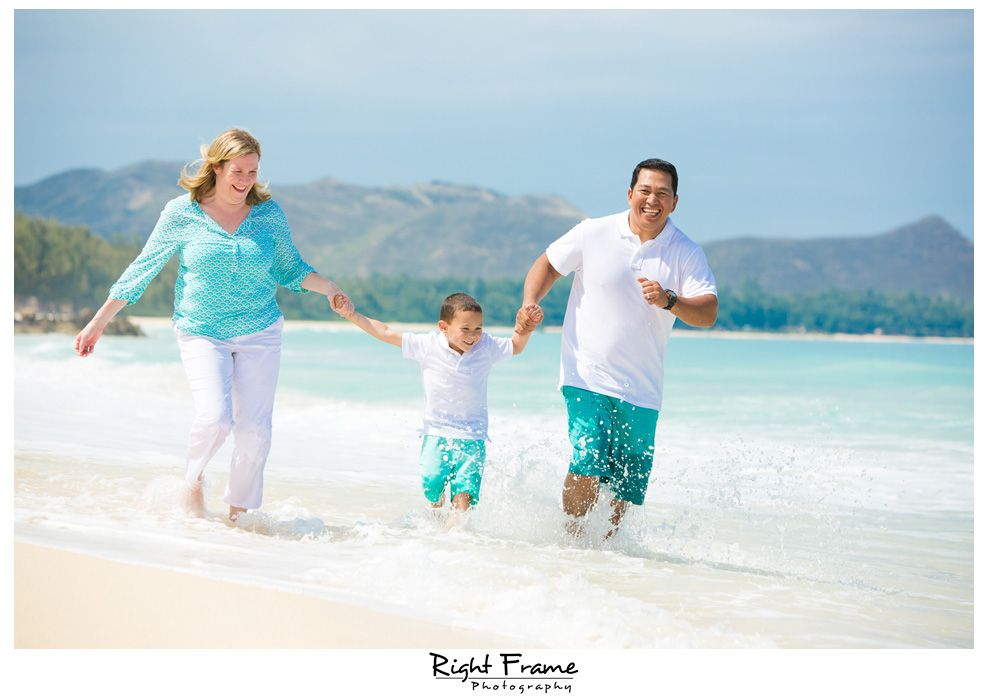 Family vacation photo session on waimanalo beach oahu hawaii family photographer by right