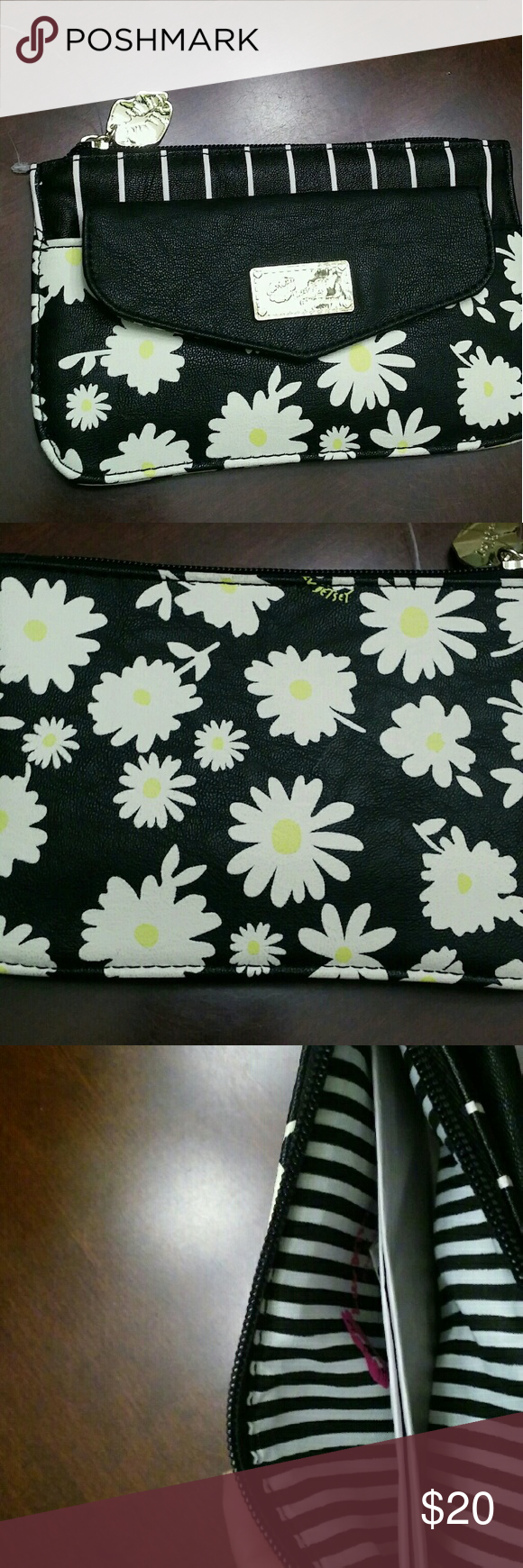Betsy Johnson wallet. Black  with Daisys NEW but has no tags. Betsey Johnson Bags Wallets