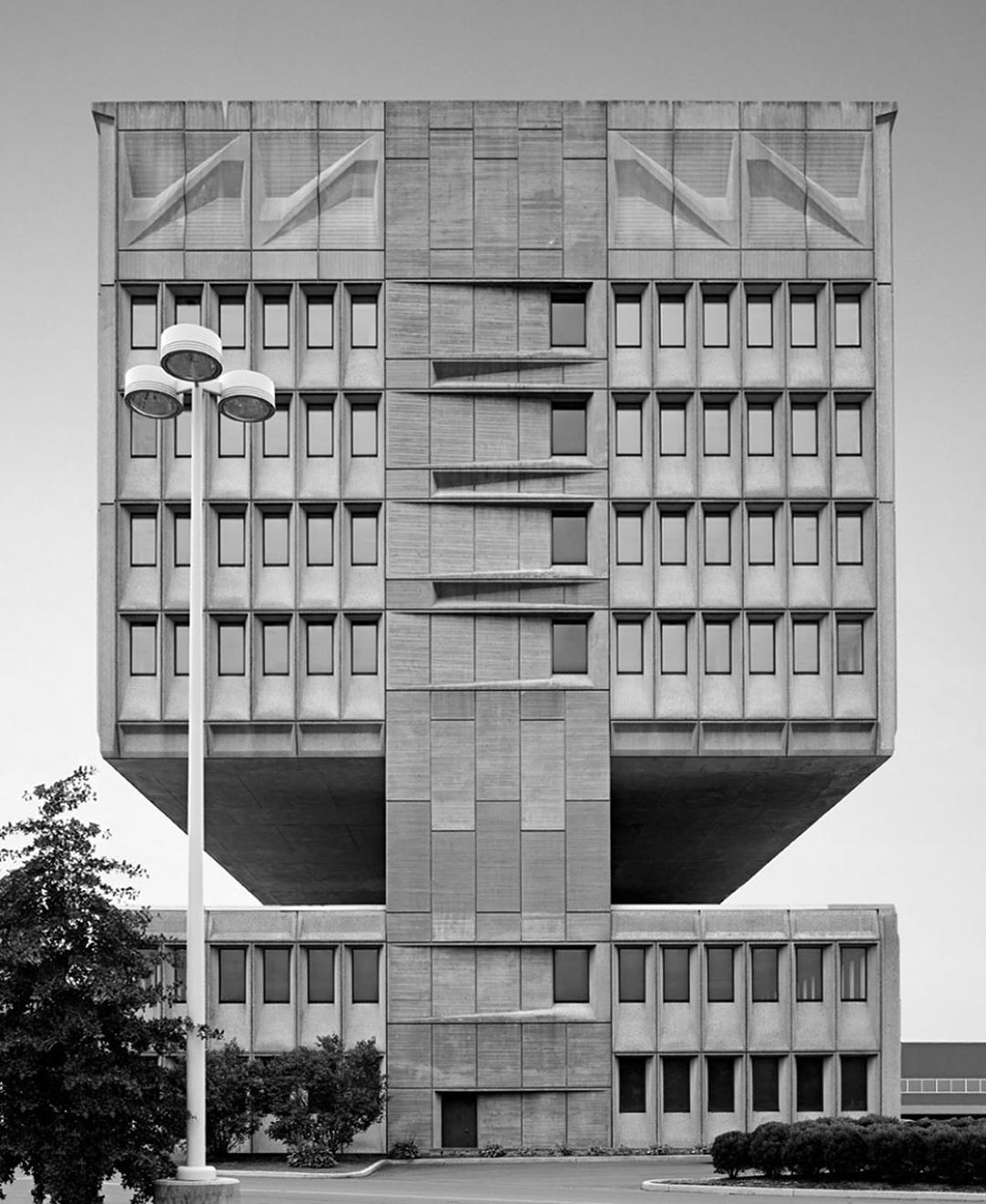 Mcm Daily On Instagram Located In New Haven Connecticut The Pirelli Tire Building Designed By Architect Marcel Breue Building Design Architect Pirelli Tires