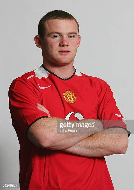 Wayne Rooney Poses For Photographs Wearing A Manchester United Shirt After Signing For Manchester United Manchester United Manchester United Shirt Wayne Rooney