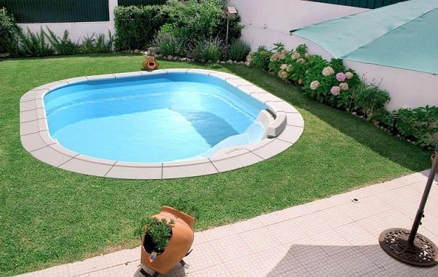 Jardim pequeno com piscina pequena pesquisa google - Piscina prefabricada pequena ...