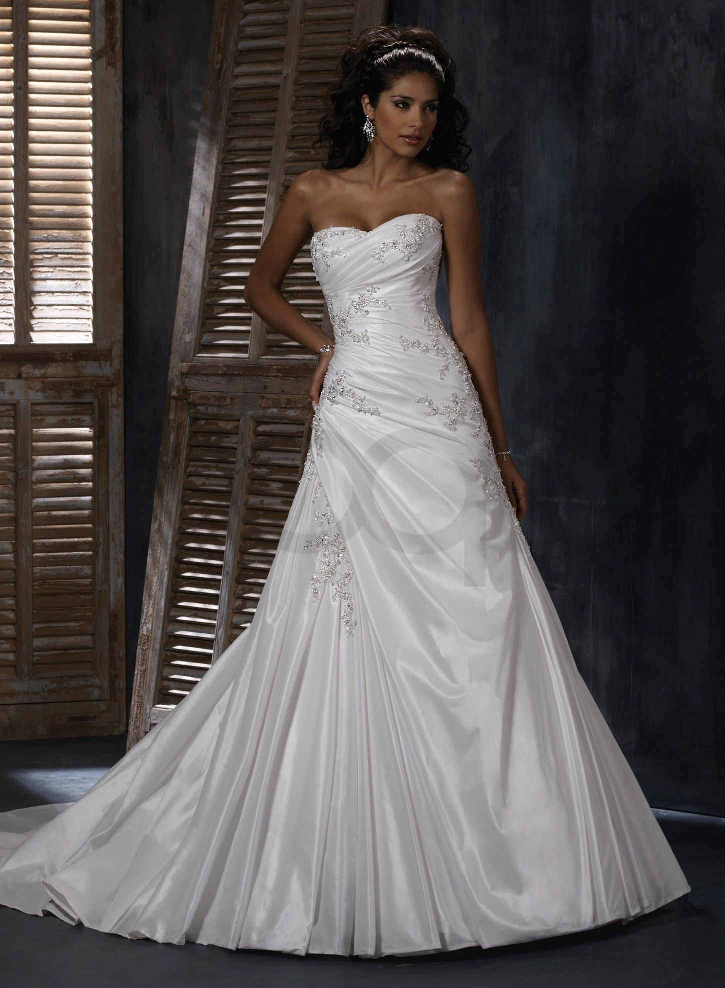 Sweet Heart Wedding Dresses Bordeaux Taffeta Soft Sweetheart Neckline A Line Dress