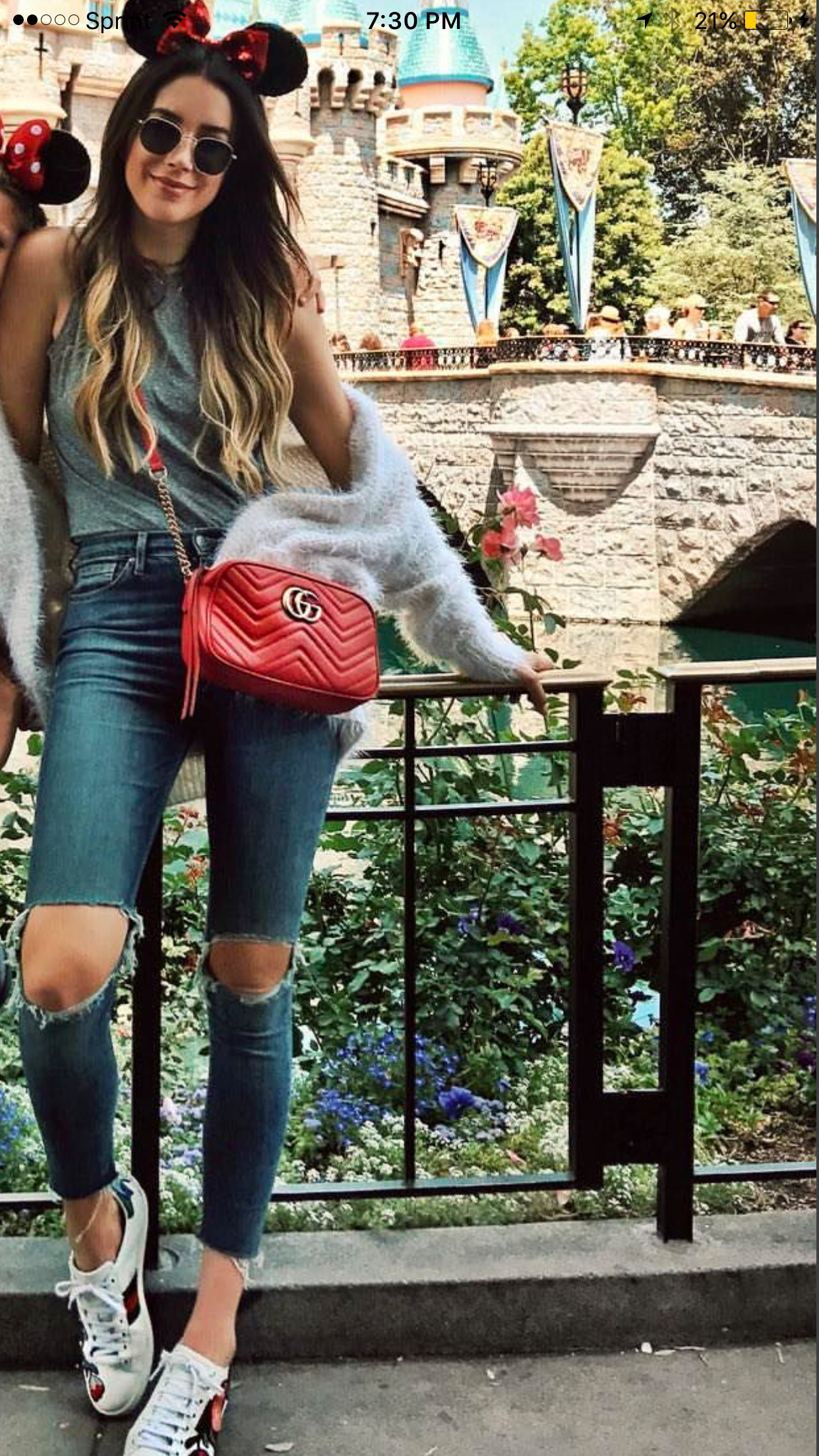 Watch Chiara Ferragni arrasa en Disneyland con su look más atrevido video